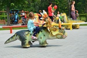 jeżdżące dinozaury